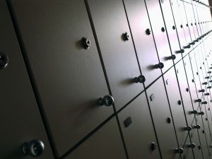 864992_doors